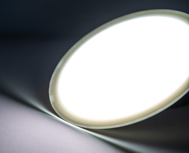follow-advances-in-oled-light